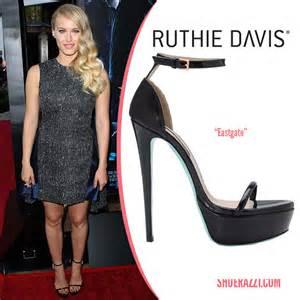 logo Ruthie Davis
