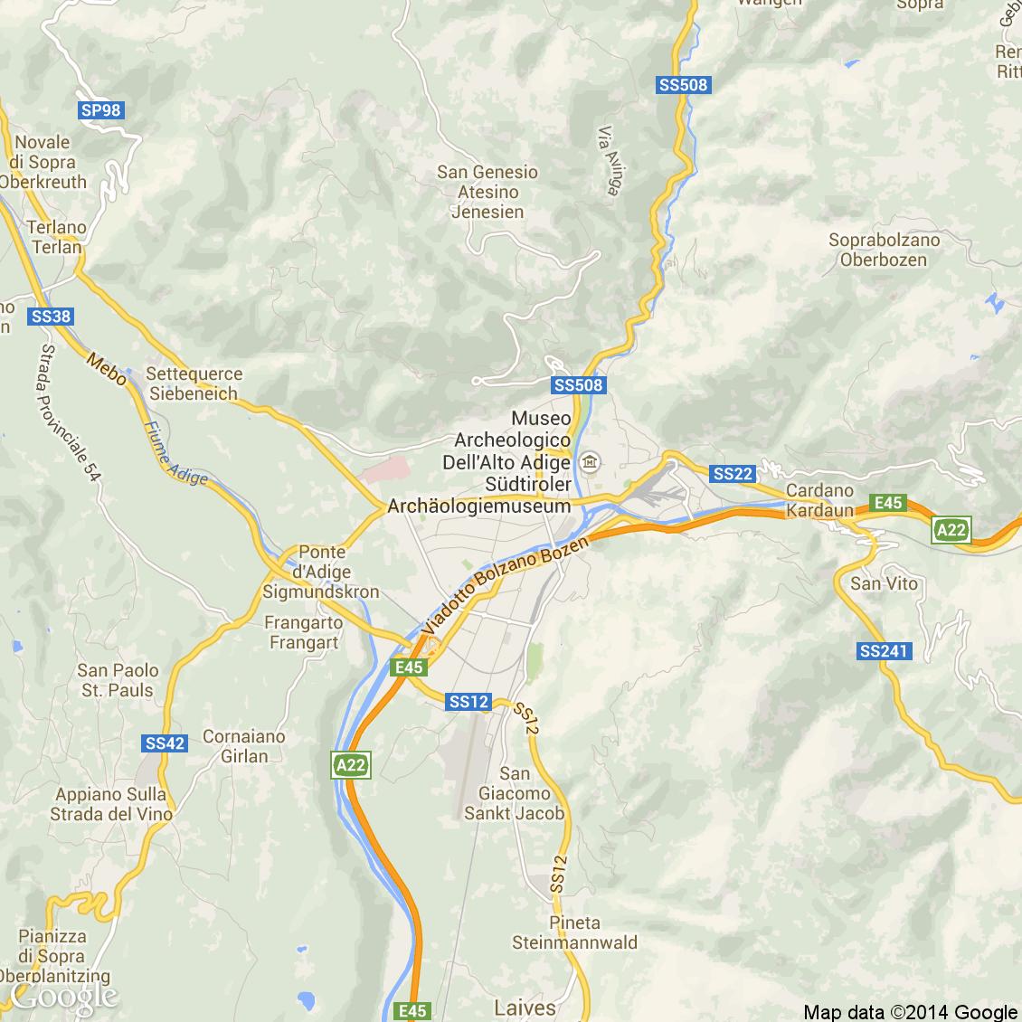 Foto dall'alto delle strade del comune di Bolzano media e ...